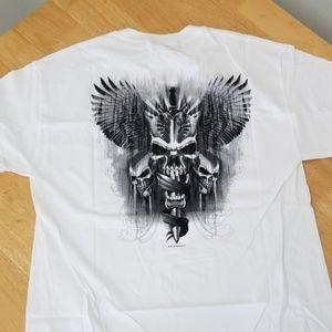 Graphics tee shirt with skulls
